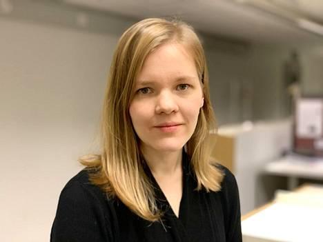 Aino Saarinen on aikaisemmin väitellyt psykologiasta ja lääketieteestä. Torstaina tarkastetaan hänen kasvatustieteen väitöskirjansa Helsingin yliopistossa.