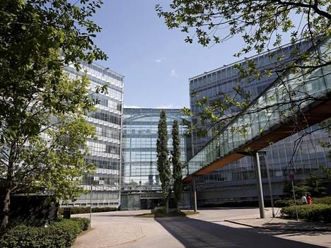 Suomen Microsoft toimii Microsoft-talossa eli entisessä Nokia Housessa. Rakennukseen on sittemmin muuttanut muitakin yhtiöitä.