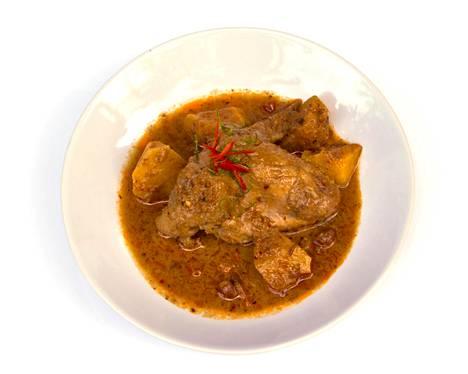 Tulinen curry auttaa hikoilemaan.