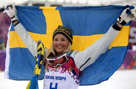 Anna Holmlund voitti pronssia skicrossissa Sotshin olympialaisissa. Maailmancupin kokonaistilanteessa hän on tällä hetkellä toisena.