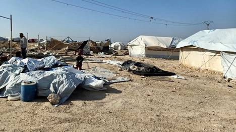Al-Holin leirillä Syyriassa on yhä noin 70000 vankia. Talven tullessa leirin olot ovat kurjistuneet entisestään.