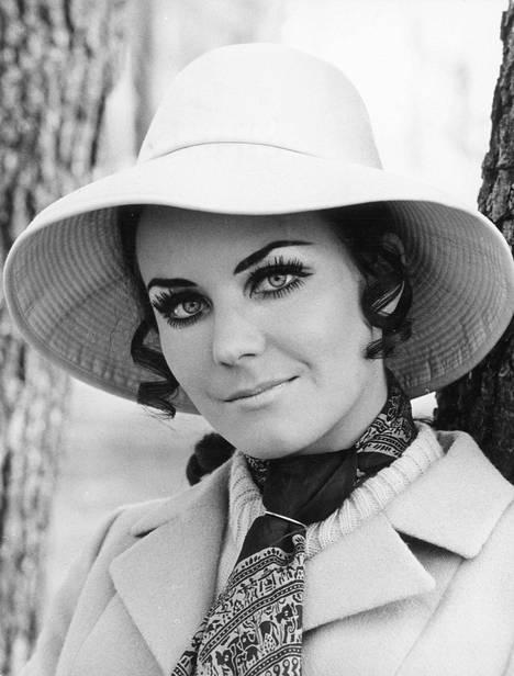 Seija Simola oli 60 ja 70-luvun suurimpia laulajatähtiä.