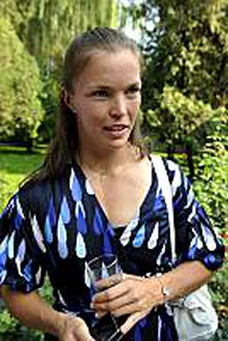 Niina Kelo jännitti Pekingissä siippansa kisaa.