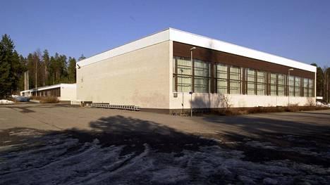 Vehkojan koulu kuvattuna vuonna 2003.