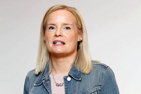 Perussuomalaisten ensimmäinen varapuheenjohtaja Riikka Purra tiedotustilaisuudessaan Helsingissä 8. heinäkuuta 2021.