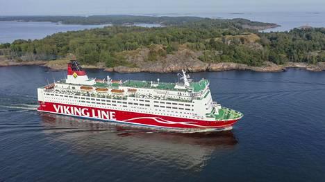 Viking Mariella Kustaanmiekan salmessa elokuussa 2019.