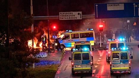 Malmön perjantai-iltaiset mellakat saivat alkunsa, kun kaupungissa poltettiin muslimien pyhä kirja Koraani.