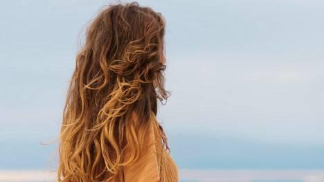 Eri hiustyypeille on omat seeruminsa.
