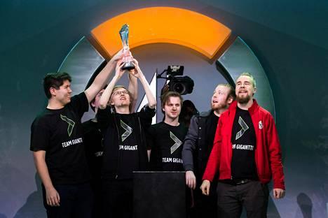 Team Gigantti voitti syksyllä 2017 Contenders-liigamestaruuden Amerikassa. Pian sen jälkeen viisi joukkueen pelaajista kiinnitettiin huippuliigaan.