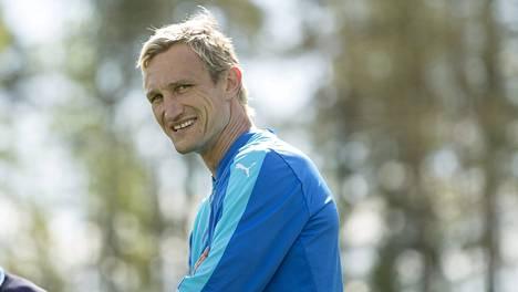Sami Hyypiä oli maanantaina Eerikkilässä nimeään kantavan akatemian tilaisuudessa.