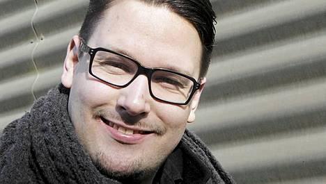 Timo Vuorensola työstää myös Iron Sky -tv-sarjaa.