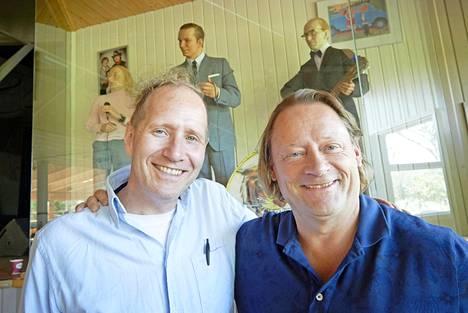 Timo Suomi (vas.) ohjaa Badding-musiikkinäytelmän Heikki Metsämäen käsikirjoituksesta.