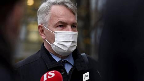 Eduskunta päättää perustuslakivaliokunnan mietinnön pohjalta, nostetaanko ulkoministeri Pekka Haavistoa vastaan rikossyyte.