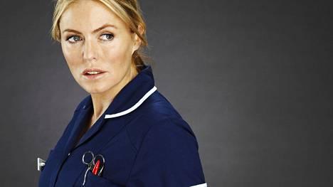 Patsy Kensit esittää hoitaja Faye Mortonia, jolla on paljon menneisyyden salaisuuksia. Holby Cityn sairaala, arkisin 19.3. alkaen TV2 klo 18.00