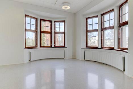 Mikkelin Graniitin sisätiloissa pintamateriaalit ja lattiat uusittiin 1970-luvulla.