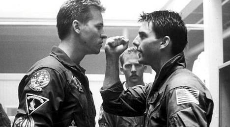 Tom Cruise (oik.) elokuvassa Top Gun.