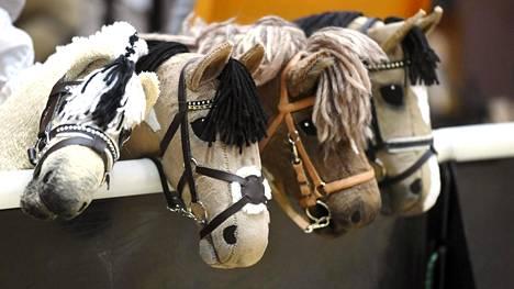 Keppihevosia SM-kilpailussa.