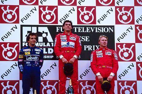Japanin GP 1993: Ayrton Senna voitti, Alain Prost oli toinen. Mika Häkkinen nousi ensi kertaa urallaan palkintopallille. Monen mielestä Senna on kaikkien aikojen suurin, Eddie Jordan on toista mieltä.