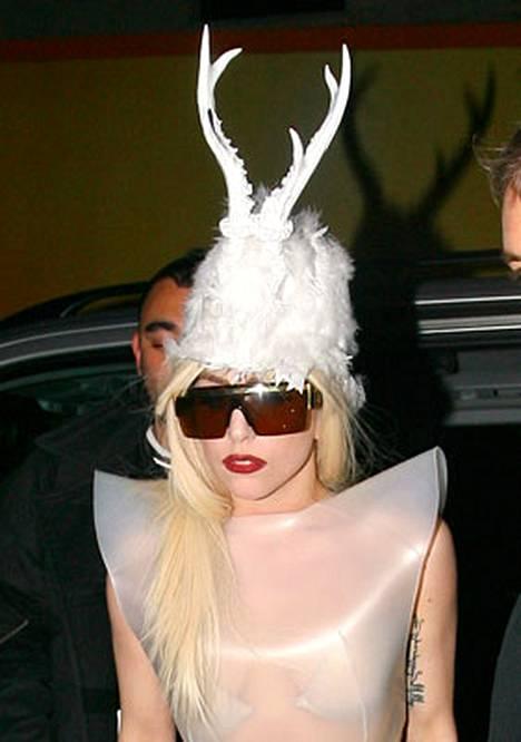 Lady GaGa taitaa myös tämän: porona lauantaina.