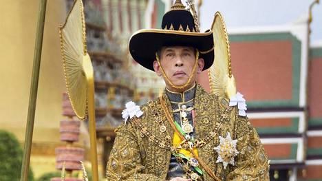 Maha Vajiralongkorn ei ole kovin suosittu kansalaistensa keskuudessa. Kuningasta on arvosteltu muun muassa julman lastensa kohtelun vuoksi.