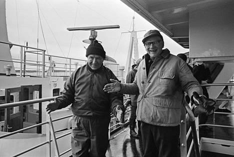 Yhteiskuva Neuvostoliiton pääministeristä Aleksei Kosyginistä (vasemmalla) ja Suomen presidentistä Urho Kekkosesta jäänmurtaja Tarmon kannella on mahdollisesti V.K. Hietasen tunnetuin kuva. Otos on napattu Hangon edustalla lokakuussa vuonna 1968.