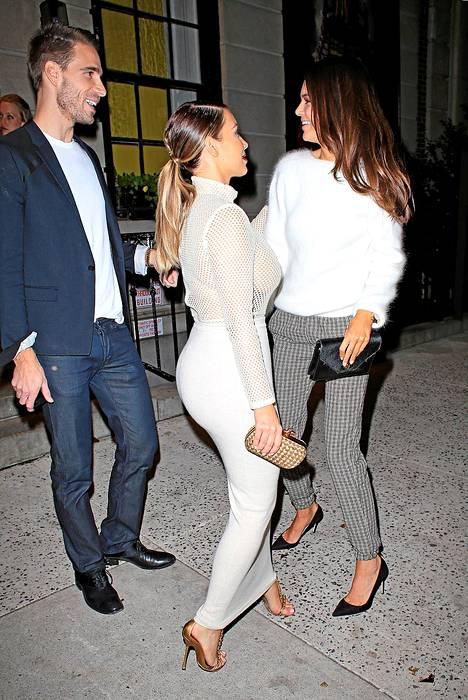 Kim Kardashian kohtasi sisarensa Kendall Jennerin.