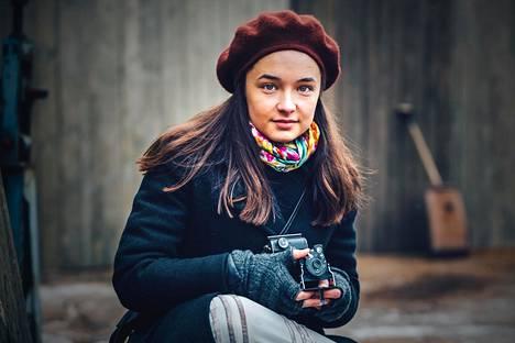 Elli Melasniemi nähtiin Olivia17-mobiilipeleissä.
