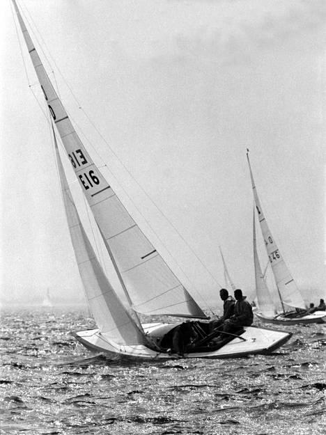 Vuonna 1972 Juan Carlos otti osaa Münchenin kesäolympialaisten Louhi-luokan kilpailuun purjehduksessa, mutta ei yltänyt mitaleille.
