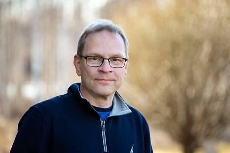 Anatomian professori Seppo Parkkila kertoo, että pitkä koronatauti vaikuttaa yllättävän yleiseltä.