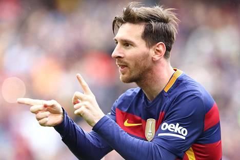Lionel Messi on brasilialaispovipommin mieleen, mutta futistähti on onnellisesti parisuhteessa Antonella Roccuzzon kanssa.