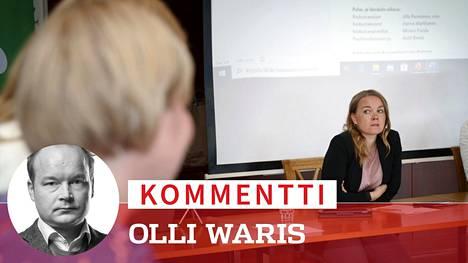Keskustan puheenjohtajaehdokkaat Katri Kulmuni ja Annika Saarikko tapasivat tiistaina Nokialla keskustan työvaliokuntien sekä ministeriryhmän yhteiskokouksessa.