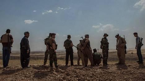 Suomalaiset kouluttavat kurdien Peshmerga-joukkoja Irakissa.
