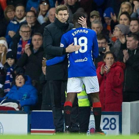 Steven Gerrard pitää Glen Kamaran pelitaidoista ja luonteesta.