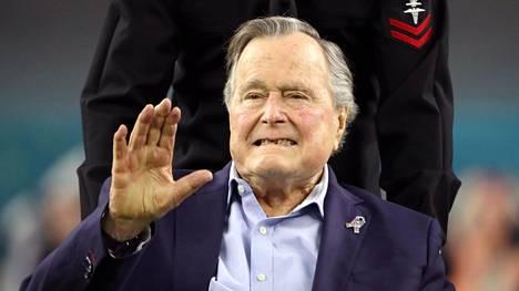 George H.W. Bush amerikkalaisen jalkapallon Super Bowlissa Houstonissa 5. helmikuuta 2017.
