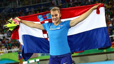 Sara Kolak paransi ennätystään parikin metriä ja vei olympiakultaa.