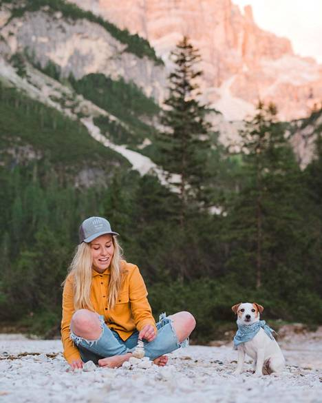 Kun Maria Vanonen hankki Yoda-terrierin, tiesi hän heti, että koira tulee kulkemaan hänen mukanaan kaikkialla.