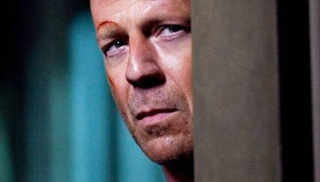 Die Hard 4.0 -elokuvassa John McClane (Bruce Willis) suojelee tietokonehakkeria terroristeilta. Su 10.5. Sub klo 21.00.