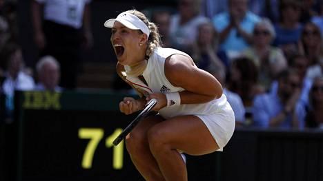 Kerber kukisti Ostapenkon – eteni Wimbledonin loppuotteluun