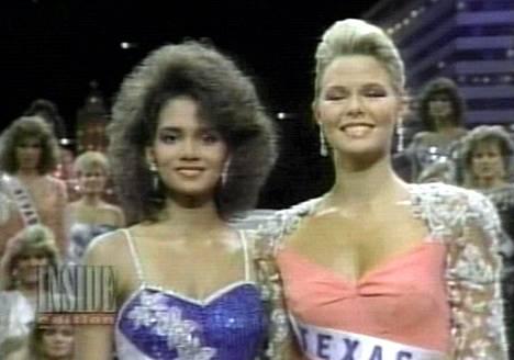 Miss USA -kilpailun vuoden 1986 voittajakaksikko: ensimmäinen perintöprinsessa Halle Berry ja voittaja Christy Fichner.