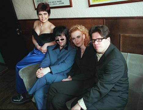 Aikakone, eli Sani, Alex, Vera ja Maki vuonna 1998.