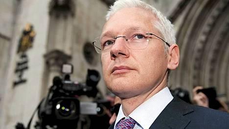 Julian Assangen perustama Wikileaks julkaisee nyt Syyrialaisten viranomaisten ja poliitikkojen sähköposteja.