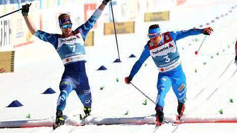 Italian MM-joukkue on lähdössä Oberstdorfista. Italian Federico Pellegrino (oik.) kilpaili sprinttikisassa Joni Mäkeä vastaan.