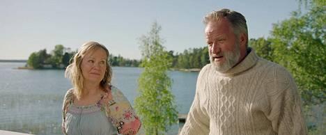 Kaija Pakarisen Natalia ja Taneli Mäkelän Ilja selvittelevät asioita menneisyydestä.