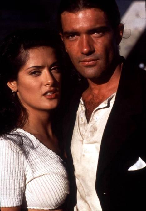 Salma Hayek ja Antonio Banderas elokuvassa Desperado.