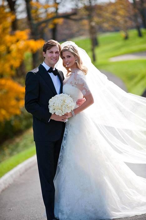 Ivanka Trumpin ja Jared Kushnerin häitä juhlittiin vuonna 2009. Sitä ennen Ivanka kääntyi miehensä uskontoon.
