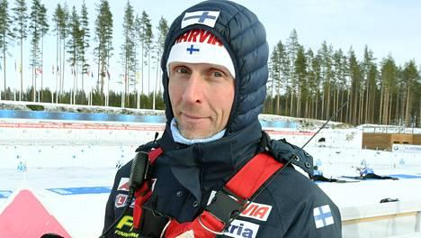 Jonne Kähkönen jatkaa ampumahiihtomaajoukkueen päävalmentajana.