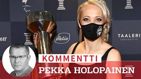 Kaikki kunnia Kaisa Mäkäräisen elämäntyölle, mutta ei kukaan halua enää toista kertaa Urheilugaalaa, jossa ihmiset pyörivät rätit naamalla.