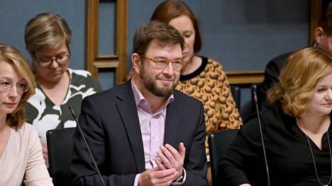 """Liikenneministeri Timo Harakan (sd) linjapuheen otsikkona oli """"Liikenteen ja viestinnän suunnat 2020-luvulla"""". Linkki alkuperäiseen puhetekstiin löytyy artikkelin alusta."""