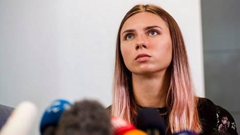 Puola pitää siirtolaisten päästämistä rajan yli kostona siitä, että Puola myönsi Valko-Venäjän urheilujohtoa kritisoineelle pikajuoksijalle Krystsina Tsimanouskajalle viisumin.