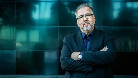 IS:n vastaava päätoimittaja Tapio Sadeoja jää eläkkeelle.